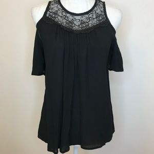 Caution To The Wind Cold Shoulder Lace Black Small